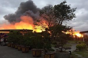 桃園衛生紙倉庫火警 烈焰濃煙不斷竄升