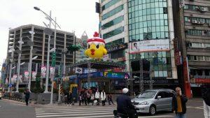北市主燈「小奇雞」拍照難看 工務局將拆燈桿