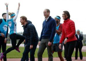 50公尺短跑 哈利一馬當先 威廉假裝腿抽筋(視頻)