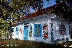 四处可见美丽彩绘花朵的波兰村庄(视频)