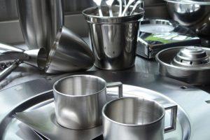 「不銹鋼餐具」竟有這麼大危害?使用時切記這幾點!
