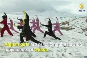 頂著寒風刺骨,忍受冷嘲熱諷,阿富汗少女勤練武術