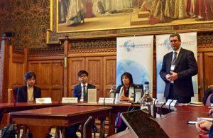 英國會談香港回歸20週年 黃之鋒說希望