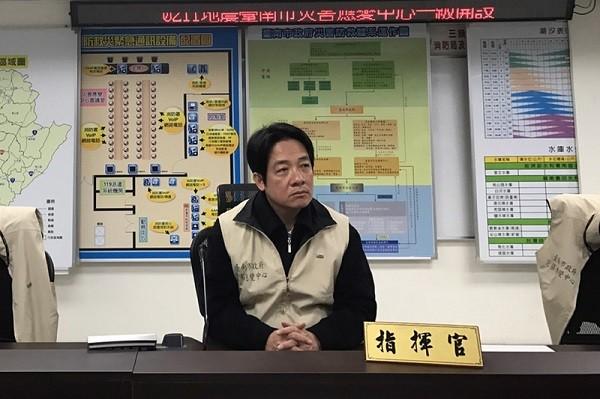 台南夜半地震 一男一女亂傳大樓倒塌舊照遭逮