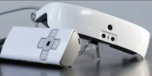 """难以置信!神奇电脑眼镜可助盲人""""复明""""(视频)"""