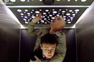 当电梯改为声控⋯伦敦音、苏格兰音、美国音⋯到底哪国英语它能听懂?爆笑