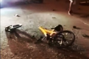 大马数十少年夜飙单车 没刹车撞汽车 8死8伤
