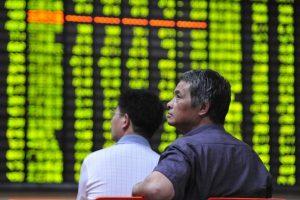 中共管控措施失效      萬億巨資外流引發經濟失控危機