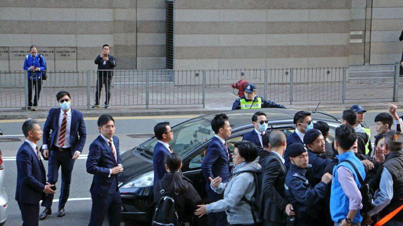 陆鸣:七名香港警察被判刑对大陆警察的警示