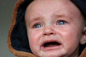孩子发脾气 这样做 可以让他们迅速冷静