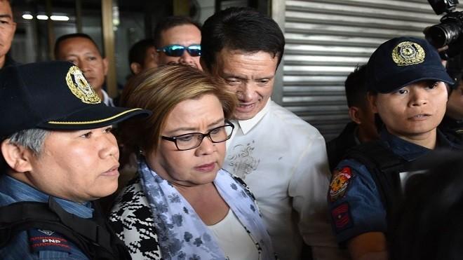 杜特爾特女政敵遭以涉毒罪名逮捕 支持者稱政治迫害