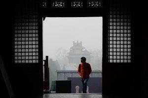 北京阴霾吓跑毕业生    名校生逾半离京就业