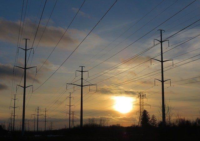 加拿大安省省府周四公布 电费削减25%计划