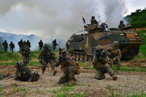 美韩联合军演 强力应对朝鲜挑衅