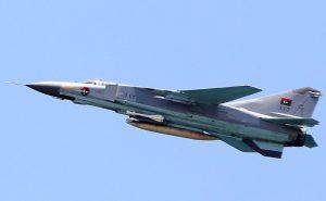 叙战机疑遭击落 飞行员可能弹射逃生(视频)