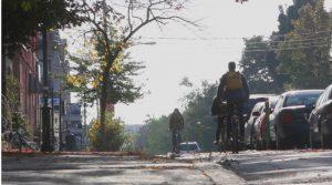 自行车撞上停著的车门 多伦多2016年增加近20%