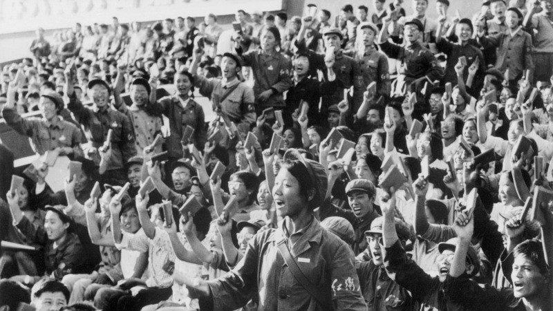 """红卫兵:毛泽东的""""纳粹冲锋队"""" 整整一代人青春就此消亡"""