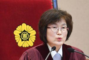朴槿惠下台主因 闺蜜干政、无信守宪法诚意