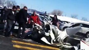 2飞机加国上空相撞 2中国飞行员1死1伤