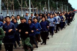 法国记者眼中的文革:红色中国有六亿蓝蚂蚁