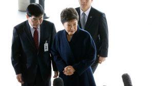 朴槿惠应讯前向国民道歉 韩媒:检方或将她拘留(视频)