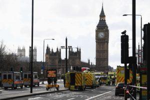 倫敦恐襲警漏夜逮捕7人 攻擊者為單獨行動(視頻)