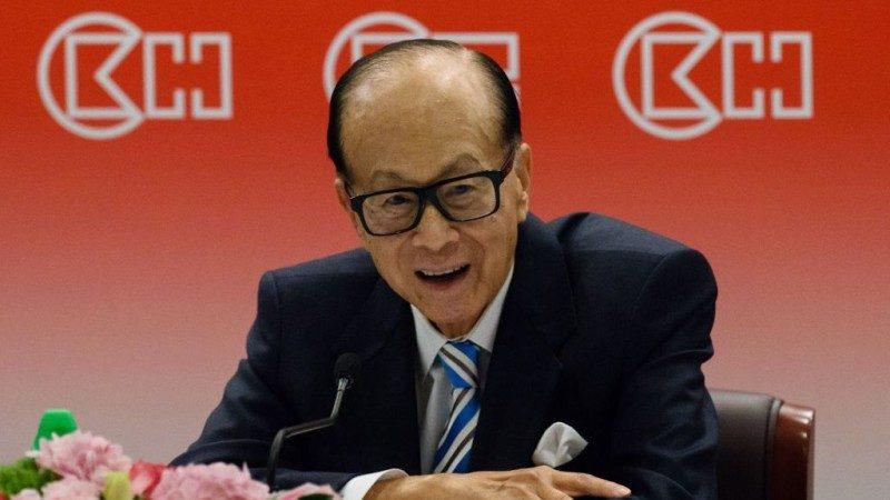 香港选特首在即 李嘉诚突露面透两大玄机