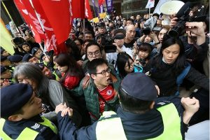 「自己政府自己選」香港民陣抗議選舉與警推撞