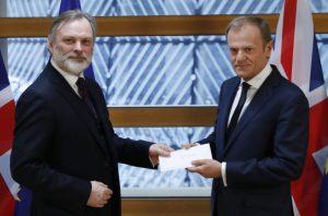 終於脫了!英國正式提分手 歐盟收申請