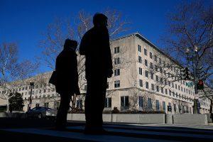 向北京卖情报 美国务院女官遭FBI逮捕