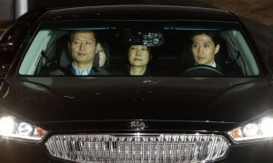 【快讯】韩国法院正式批捕 朴槿惠或面临10年徒刑