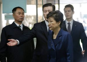 朴槿惠押送劳房 亲信干政大事记