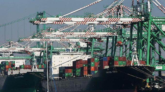 出人意料 加拿大二月出现10亿加元贸易逆差