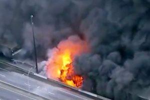 亚特兰大繁忙大桥被烧塌 3流浪汉涉纵火