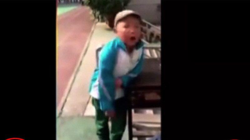 小學生打架被罰站 他的一番大道理 把校長老師說的啞口無言(視頻)