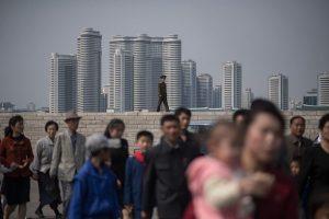 朝鮮高樓薄似屏風   擋住「真實朝鮮」