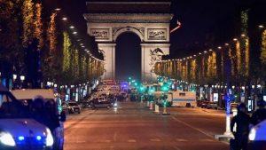 法國大選前不平靜 巴黎傳槍響警1死2傷 IS承認犯案