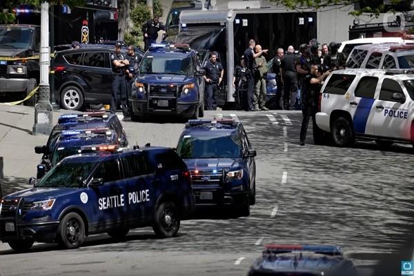 西雅圖便利商店傳搶案 警匪駁火2警傷1嫌亡