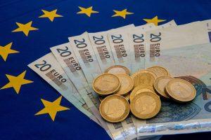 欧盟要求英国:600亿分手费得付欧元