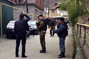 中学生带手榴弹上学 不慎引爆 1死11伤(视频)