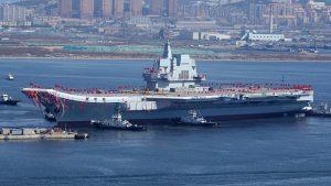 陸航母下水未採用電磁彈射 軍事迷失望外媒熱議