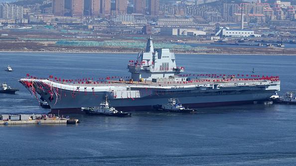 陆航母下水未采用电磁弹射 军事迷失望外媒热议