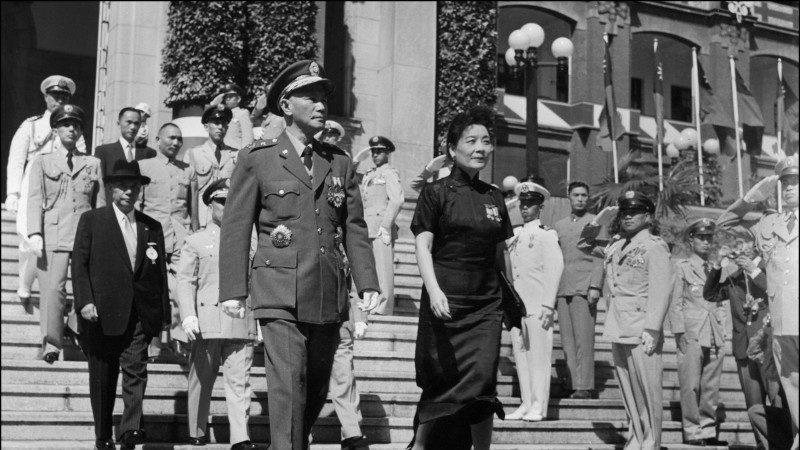 世間如果有榜樣 請別忘記蔣介石