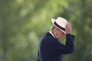 风趣幽默菲立普亲王退休 原因是这个