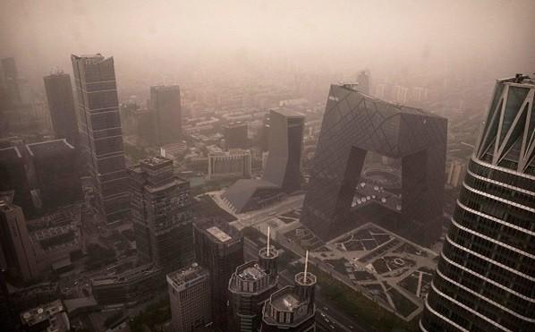 陸沙塵暴遮天蔽日 外媒「嘆為觀止」 網民紛吐槽
