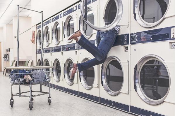洗衣機長時間沒清洗,細菌比馬桶還多!教你怎樣清洗
