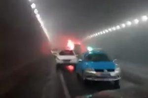 韓國外交部:中國威海校車燃燒起因於碰撞事故(視頻)