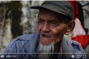百歲拾荒老人居然會7種語言 秘訣是這個