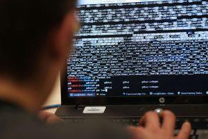 英媒:外国人去朝鲜 手机电脑均会遭骇