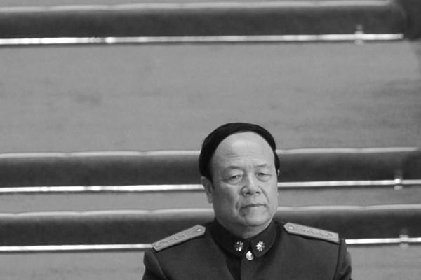 郭伯雄私設「大炮」對付習近平  自知不妙拜見「大師」